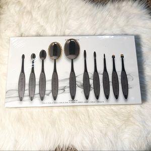 Brand new Artis elite smoke brush 10 set